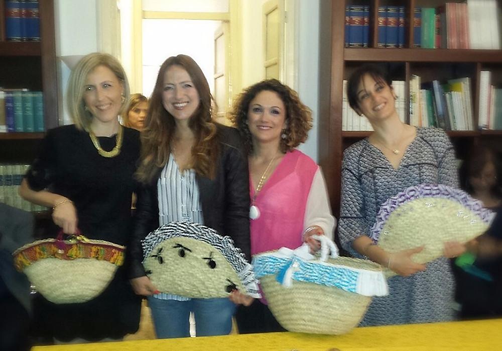 Da sinistra: l'architetto Susanna Gristina Presidente di Korai, la designer Ida Di Bella di Le Curine Collection