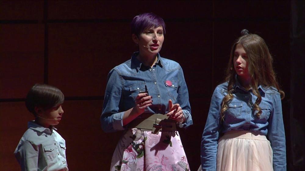 Florinda Saieva con le figlie Carla e Viola alla presentazione TedxTorino