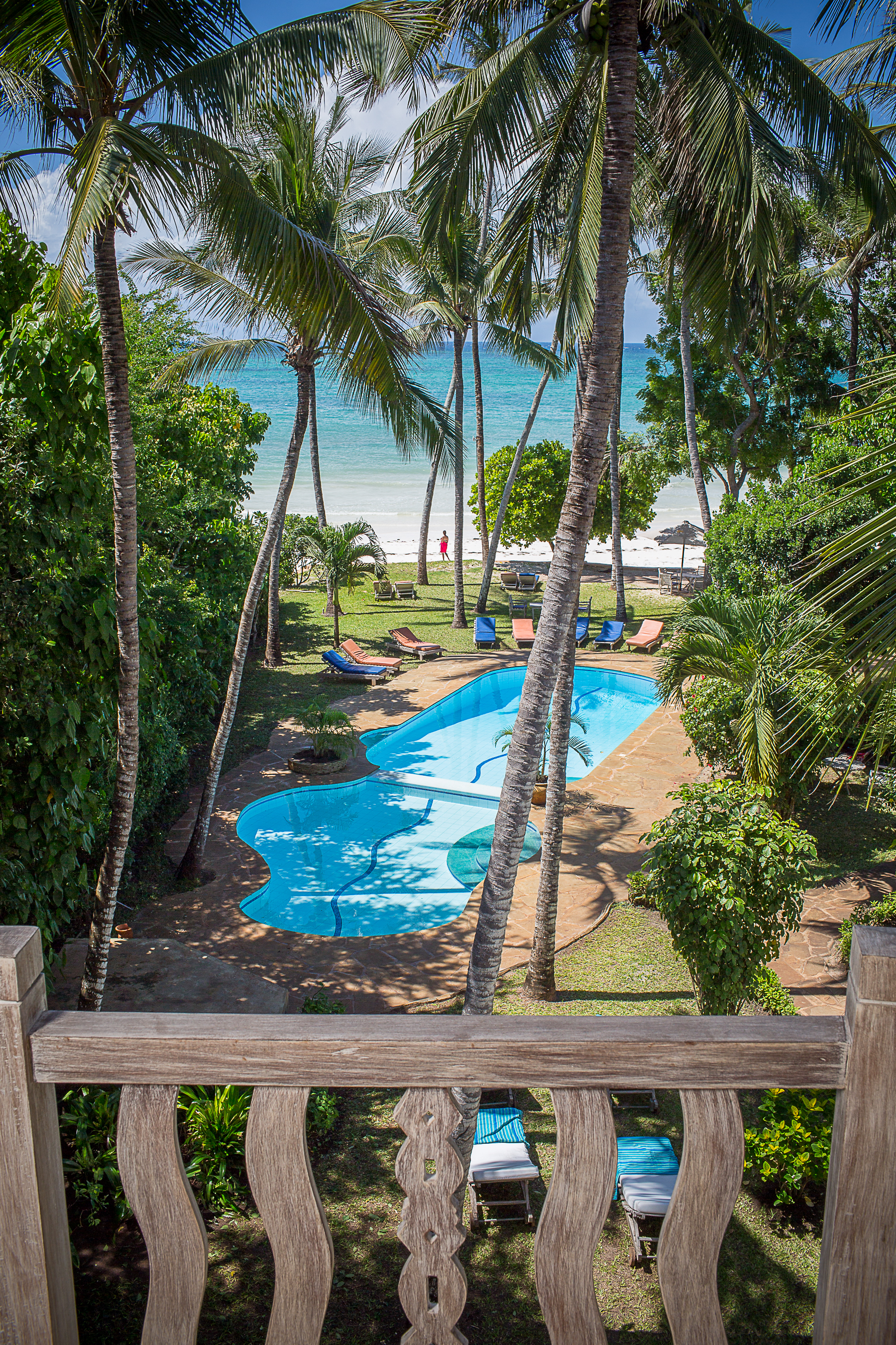 Monkey Beach House pool & sea view