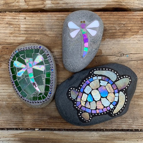 Garden Art - Small Stones with critters