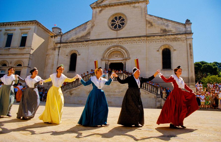 Les Traditions Provençales