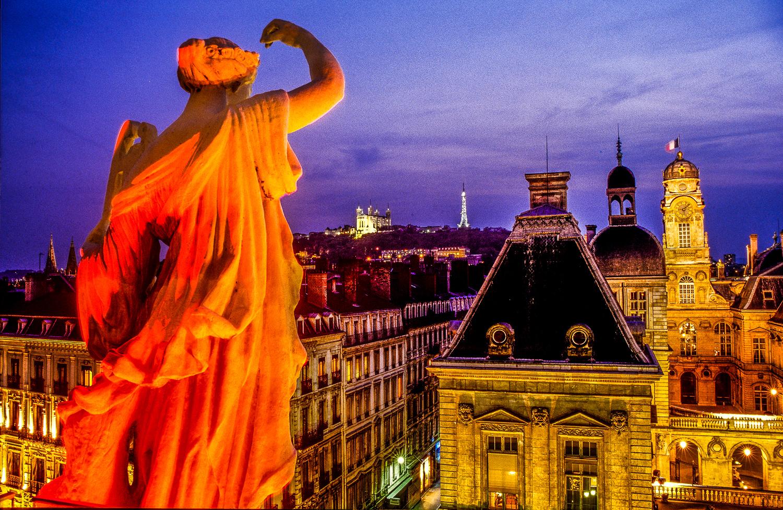 Lyon - Opéra - Muses de l'Opéra et l'hôt