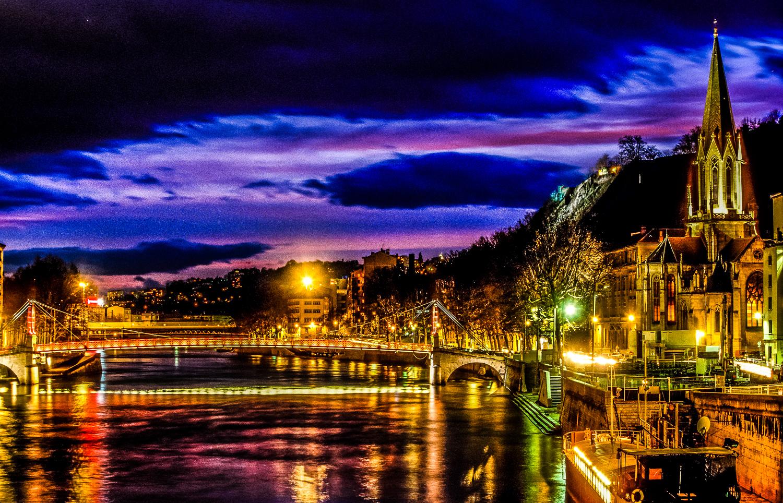 Lyon_-_Quais_de_Saône_-_Eglise_Saint_Geo