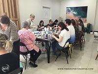 fluid-art-paint-pouring-workshop-classes