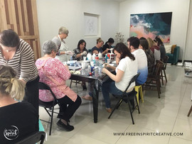 fluid-art-paint-pouring-workshop-classes