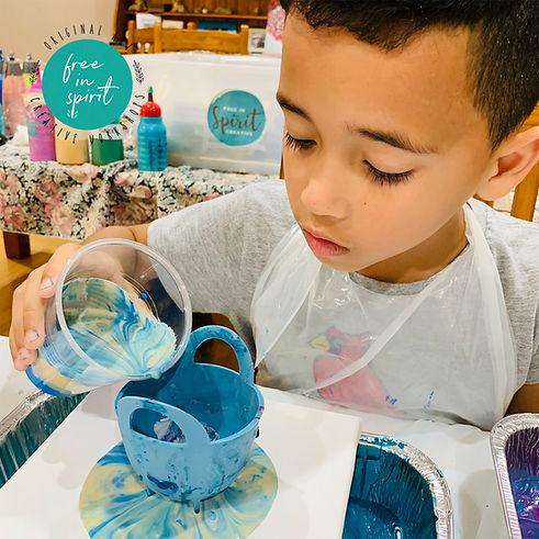 kids-paint-pouring-workshops.jpg