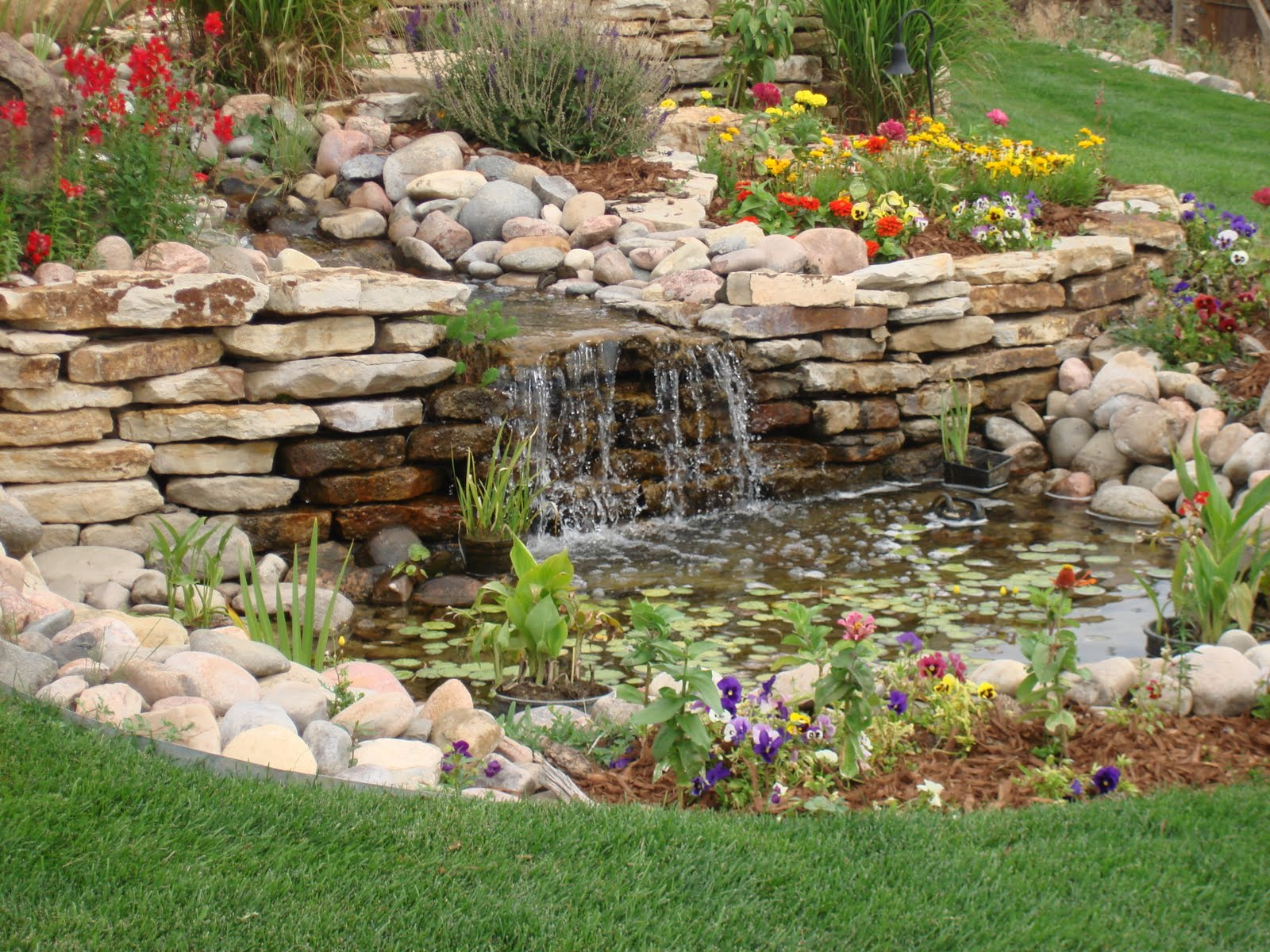 Yard-pond-ideas_008.jpg