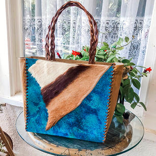 Turquiose tote with Fur Accent