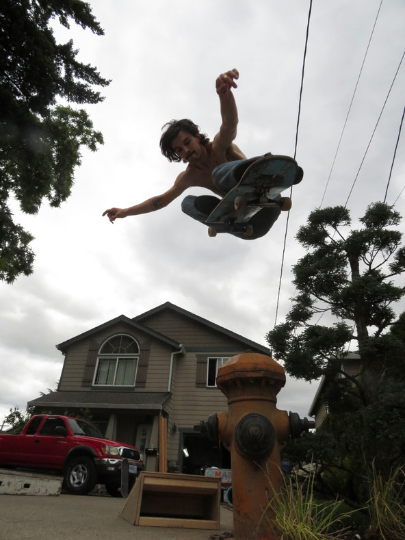 Max Minde Hydrant Ollie