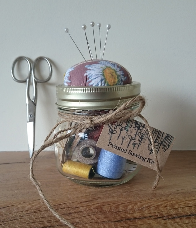Daisy Sewing Kit