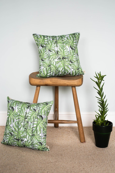 Tropical Leaf cushion - Green