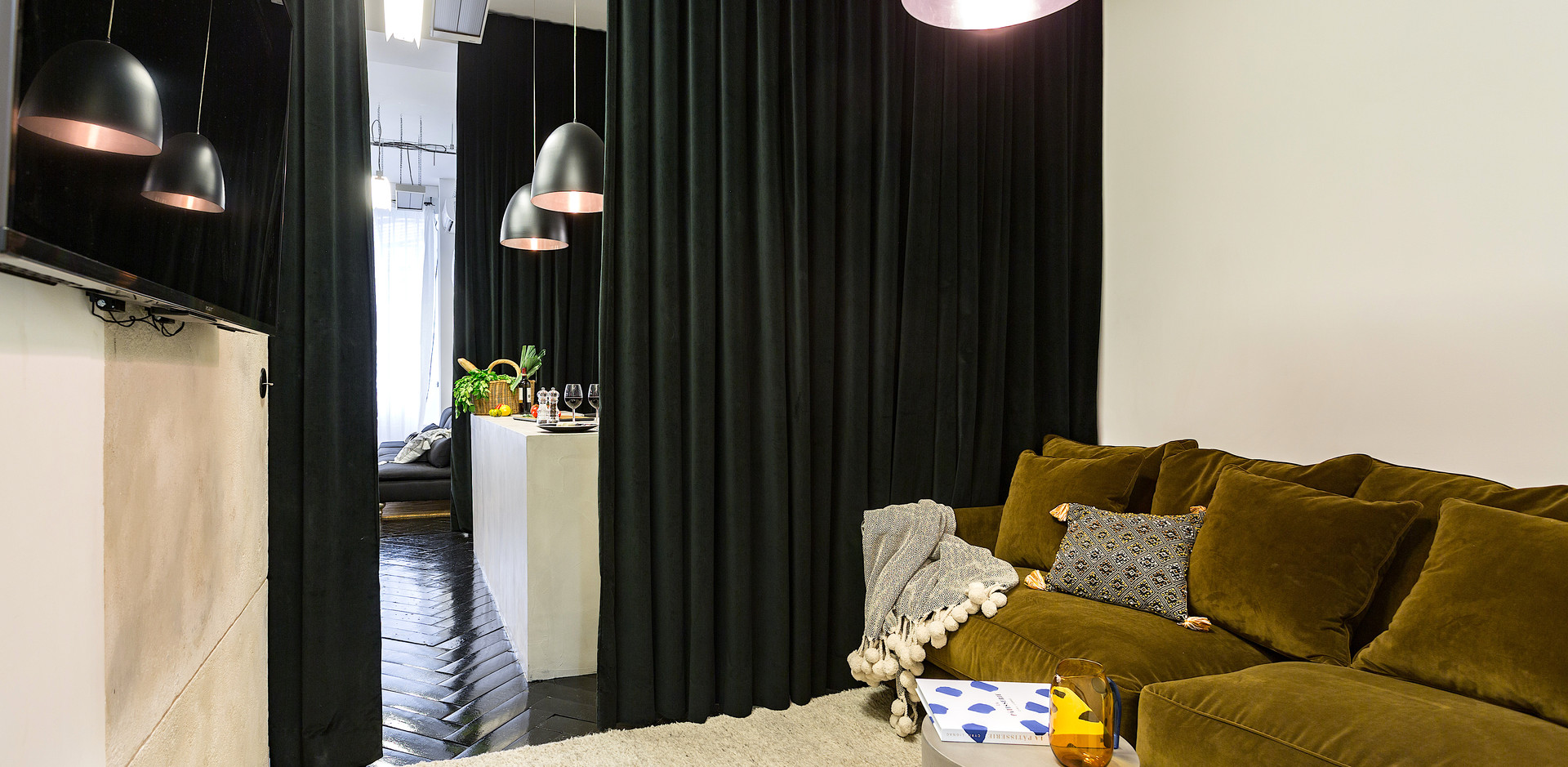 Coin TV- TV Room