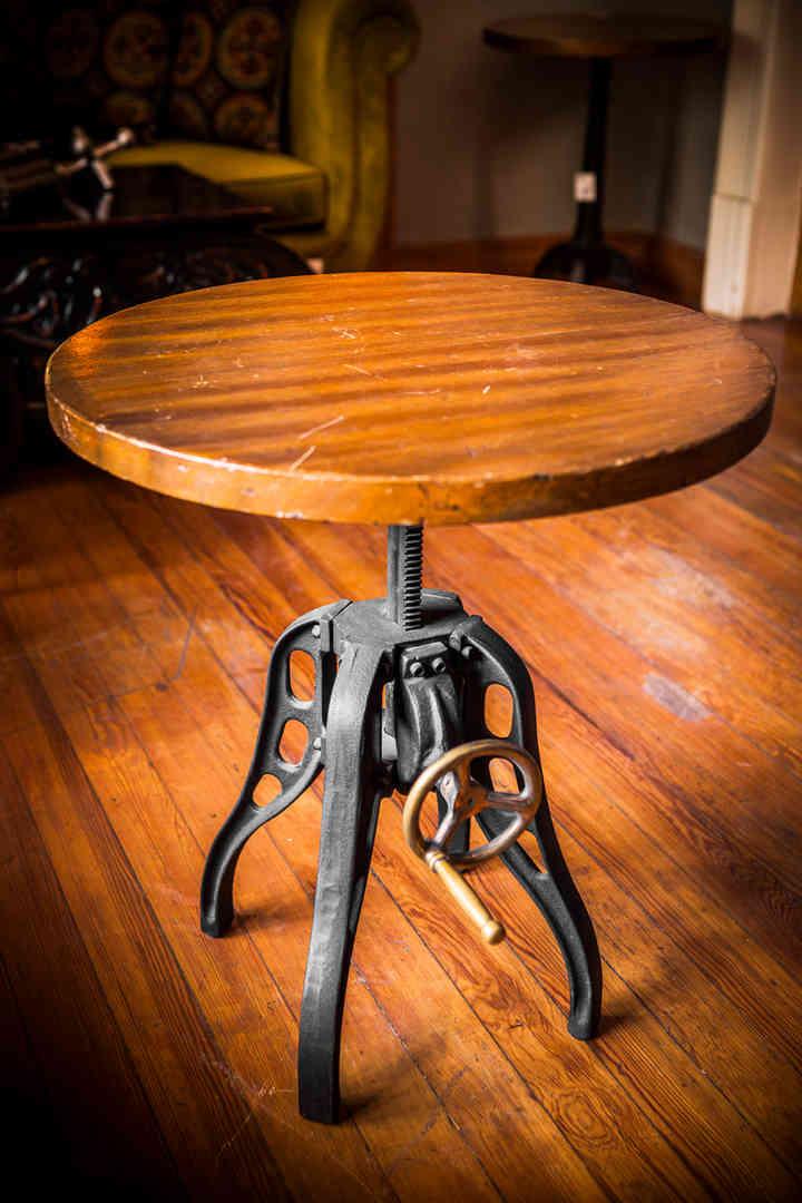 mesa volante manija bronce.jpg