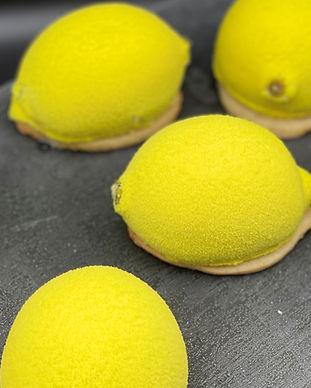Lemon%20Shaped%20Mousse%20Cake_edited.jp