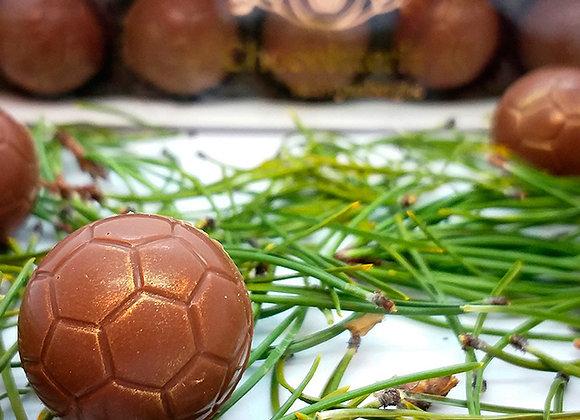 Caja pelotas de fútbol
