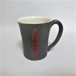 黒織部釉 辰砂釉ライン マグカップ 渡邊賢司 正面