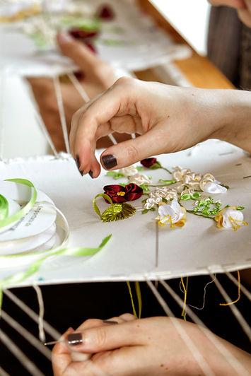 Haute couture embroidery course in Rome and Milan,  tambour embroidery, bead embroidery, silk ribbon. Professional embroidery course. Corso di ricamo Alta moda. Scuola di moda a Roma e Milano. Ricamo al telaio. Scuola di ricamo.