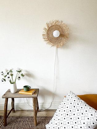Lakho Raffia frill wall lamp