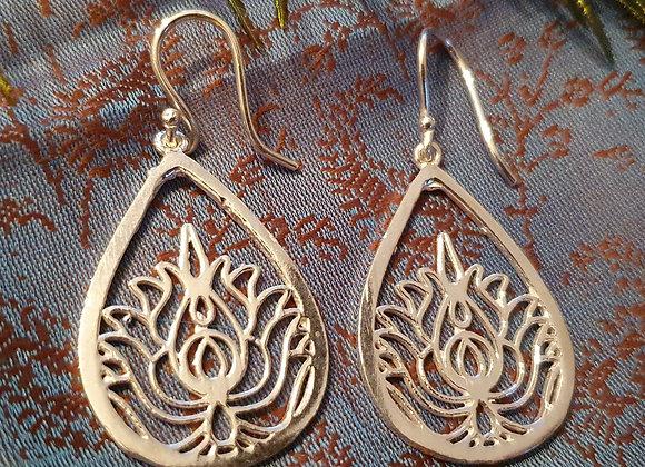 Tear Drop Lotus Earrings(Silver Plated)