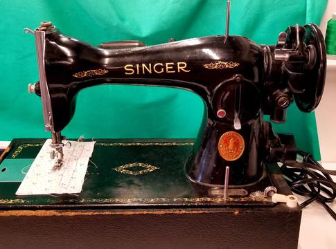 $150 - Singer 15-91