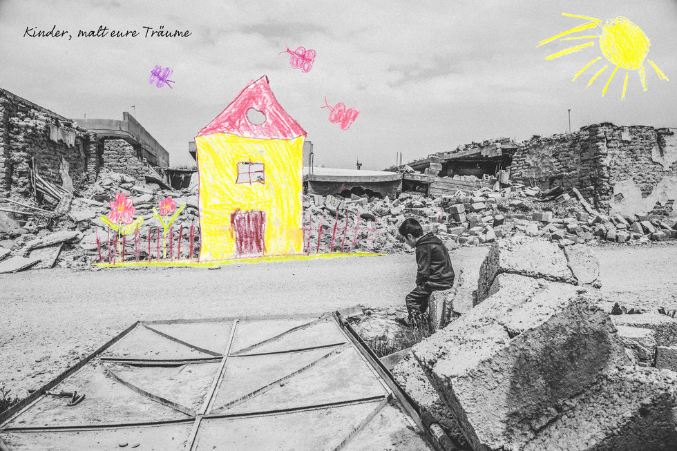 Evin (7) lebt mit Onkel, Tante und fünf Anderen in diesem Zelt. Ein Zuhause ohne Bad, ohne Küche, ohne Eltern.