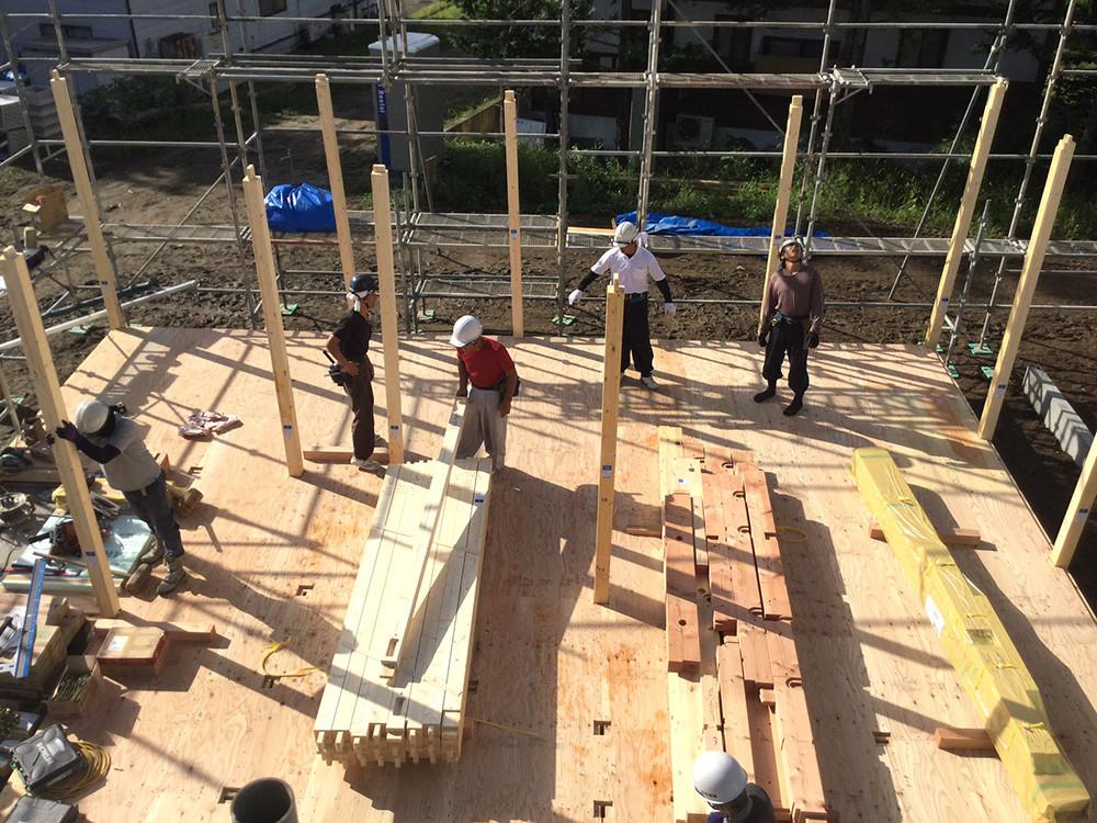 穂高有明で建築中の『安曇野の家』建前風景