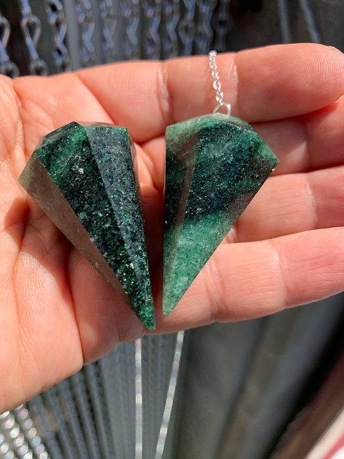 pendules en granit vert