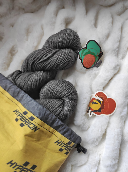 yarn spilling out of the Hyperion project bag.