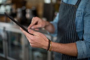 The Unintended Consequences Of Using Hand-Held Tablets To Combine Table-side Ordering And Payments