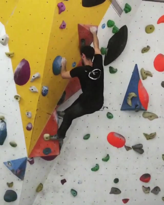 Just a fun V6 at _vkingclimb_#palgitrain
