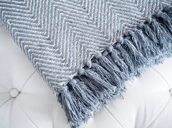 Gisela Graham Light Grey Chevron Woven Throw