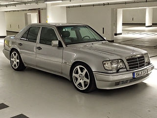 Mercedes-Benz_w124_e500_limited-edition_