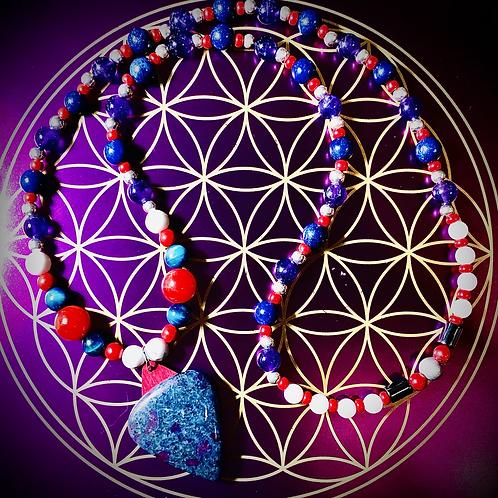 Collier artisanal pendentif Rubis Kyanite, perles pierres naturelles variées
