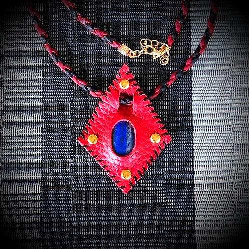Collier cuir rouge avec lapis lazuli