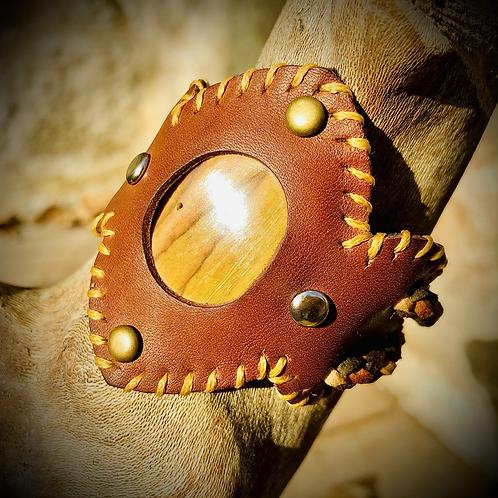 Barcelet cuir/ cordon  et Bois fossilisé