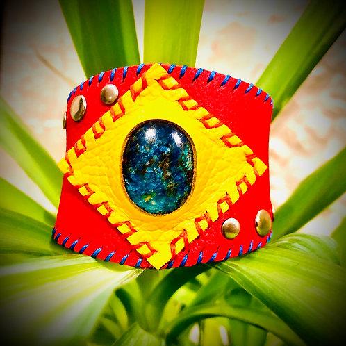 Bracelet artisanal en cuir et Shattuckite
