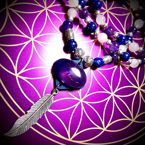 Collier artisanal pendentif d' Améthyste, perles semi précieuses variées