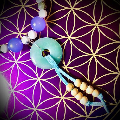 Collier «mala» perles naturelles variées, pendentif Aventurine