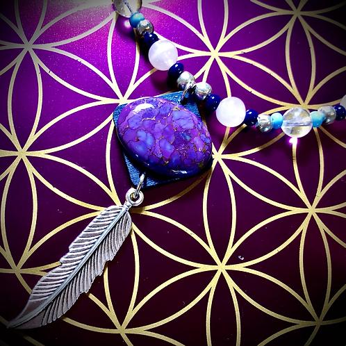 Collier «mala» pendentif Mohave purple turquoise, perles de pierres variées