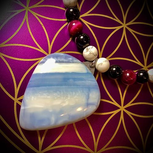 Collier long pendentif Opale bleue, perles pierres naturelles variées