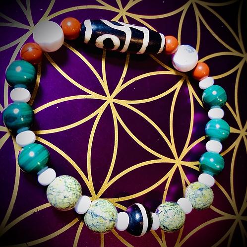 Bracelet perles Malachites /Serpentines /Howlites /Jaspes rouge