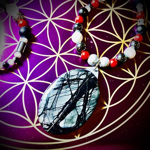 Collier artisanal pendentif Jaspe Picasso, perles pierres naturelles variées