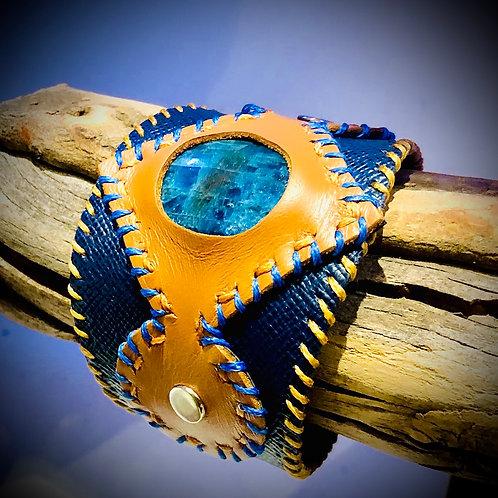 Bracelet en cuir et APATITE BLEUE