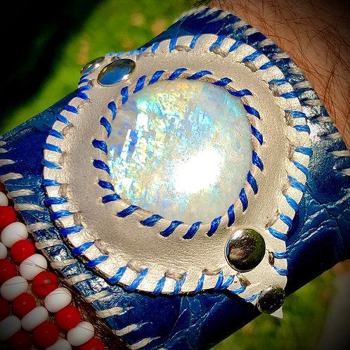 Bracelet en cuir et PERISTERITE ( pierre de lune)