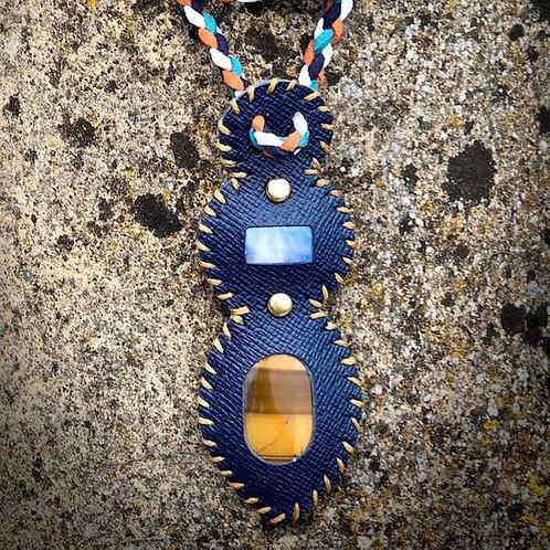 Collier cui et pierres combinées oeil de tigre / pierre de lune