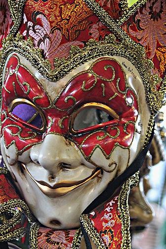 face-mask-178262_960_720.jpg