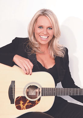 Beccy Cole - Feaure Image 2017.jpg