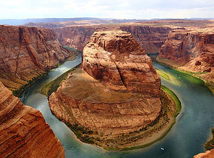 horseshoe-bend-1908283_960_720.jpg