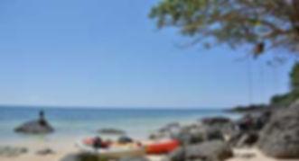 石垣島の静かなビーチで外カフェツアーの風景