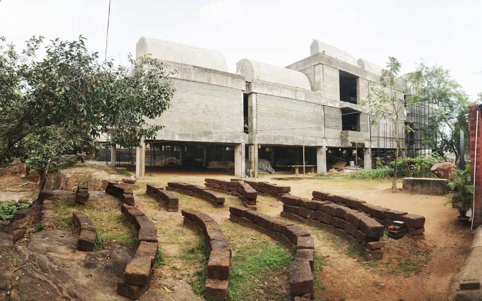 JD Centre of Art's tront block under construction